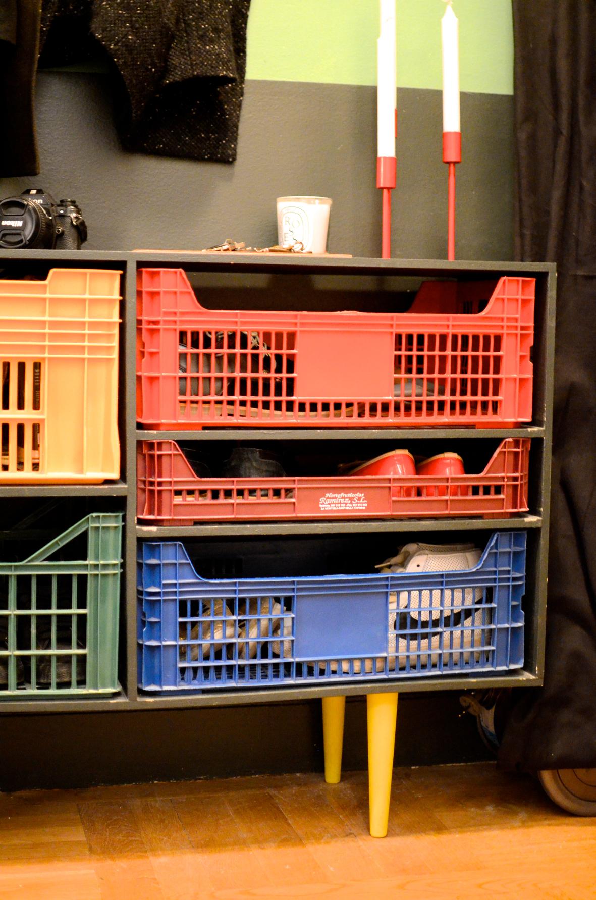 le meuble caisses diy 16 bienvenue chez coline. Black Bedroom Furniture Sets. Home Design Ideas