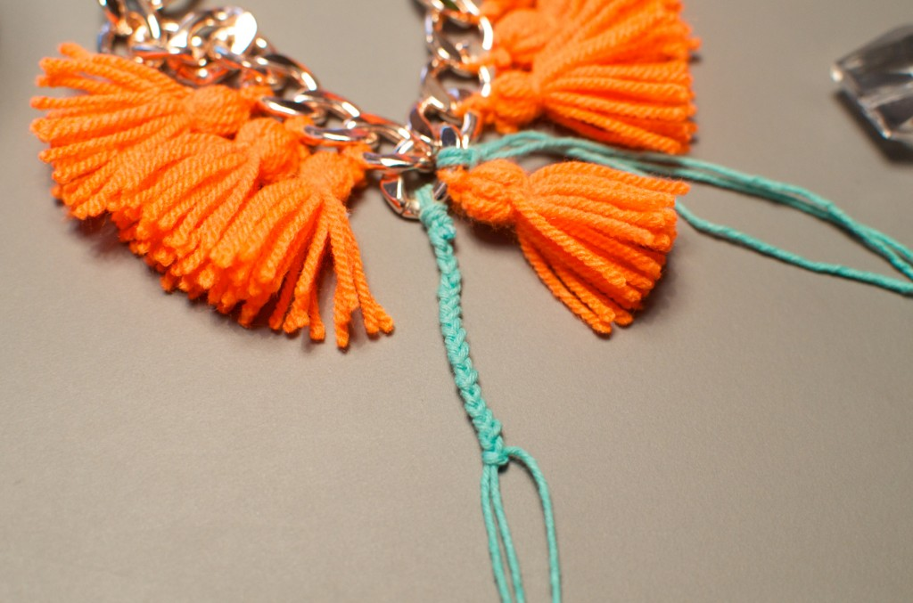 collier pompon (13)