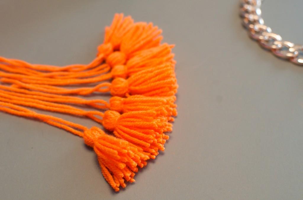 collier pompon (7)