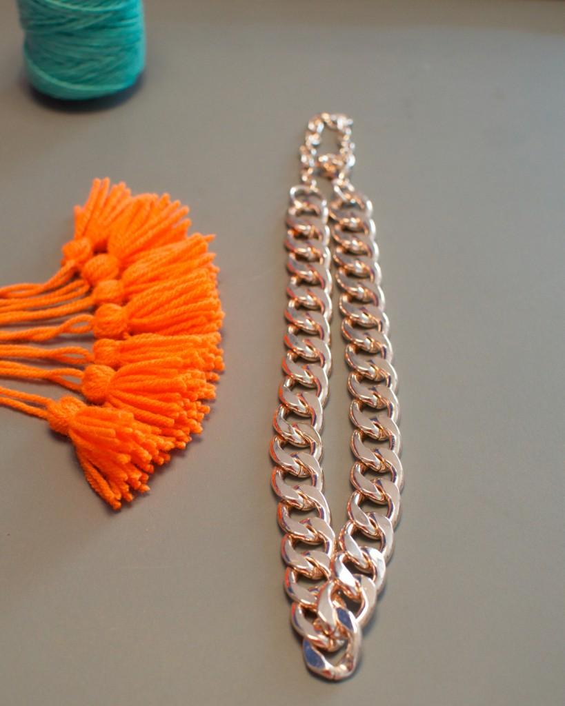 collier pompon (8)