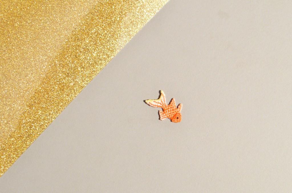Tee-shirt à pois glitter et petit poisson japonais (1)