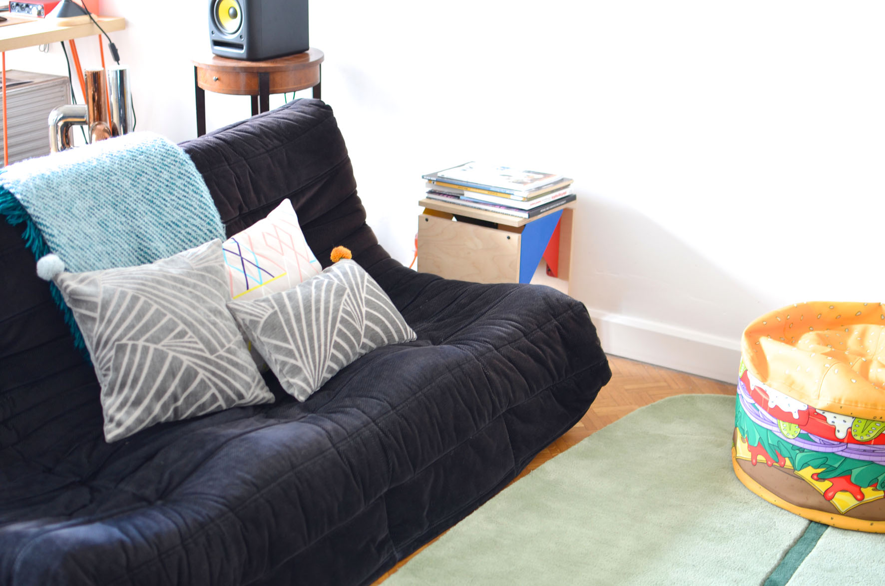 De-nouveaux-coussins-sur-mon-canape%CC%81-18 Unique De Canapé Avec Palette Conception