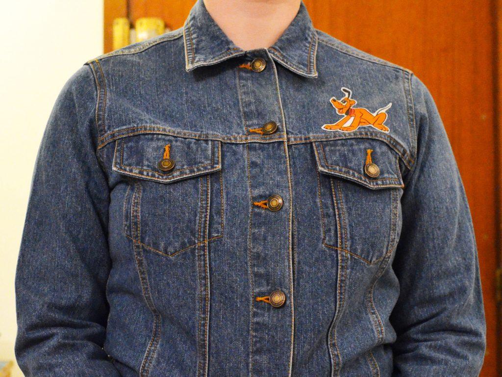 une veste en jean et pluto (14)