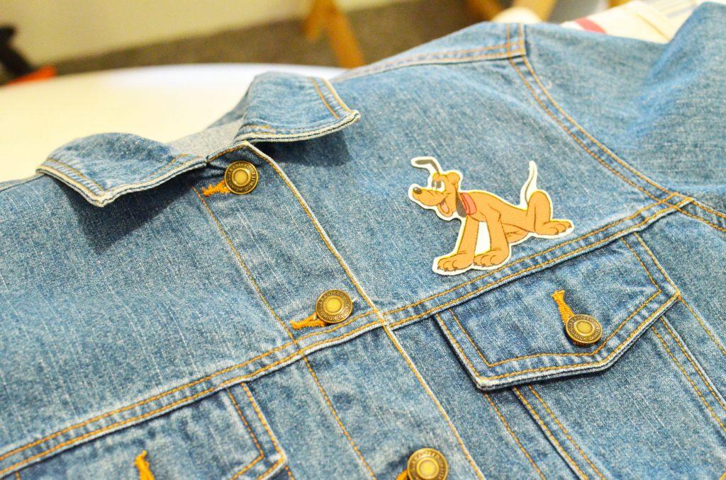 une veste en jean et pluto (7)
