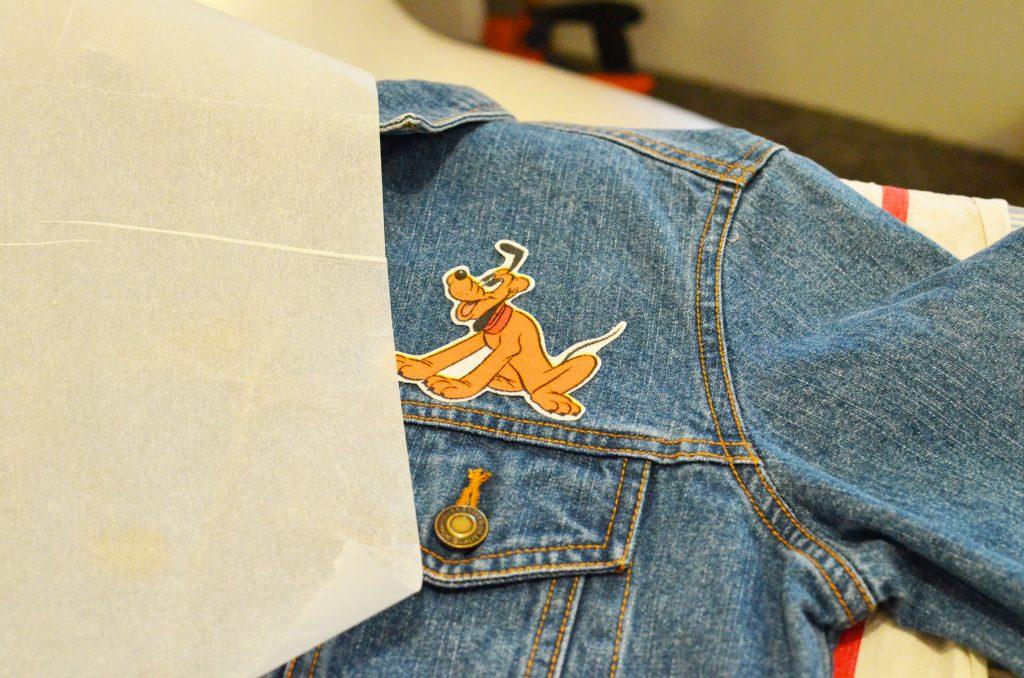 une veste en jean et pluto (8)